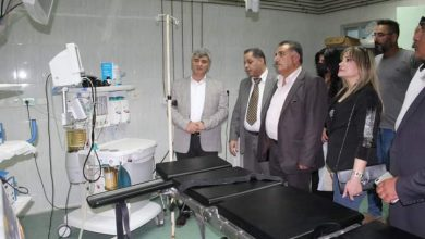 Photo of محافظ السويداء يتفقد مشفى ساله ويكرم إحدى العاملات فيه