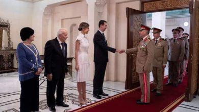 Photo of الرئيس الأسد يقلد العماد علي أصلان رئيس هيئة الأركان السابق وسام الاستحقاق السوري