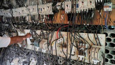 Photo of لبنان يغرق في الظلام الشامل مع إغلاق محطتي كهرباء رئيسيتين