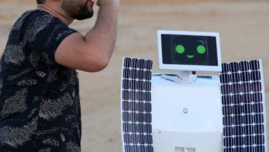 Photo of استخراج الماء من الهواء… مهندس مصري يختبر روبوتا في الصحراء
