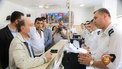 Photo of وزير الداخلية اللواء محمد الرحمون بجولة تفقدية على فرع الهجرة و الجوازات بدمشق