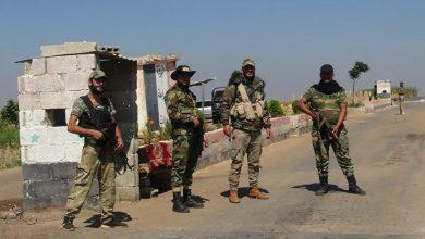 Photo of 1350 مطلوباً يسلمون أسلحتهم للجيش  في «طفس» بريف درعا – (فيديو)