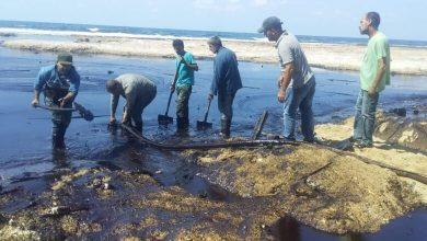Photo of تكريم عمال إزالة آثار «التلوث النفطي» في جبلة