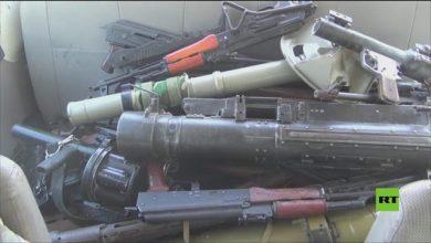 Photo of بالفيديو.. مسلحين من درعا يسلّمون أسلحتهم لدولة السورية